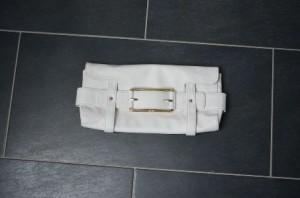 kleine weiße Handtasche
