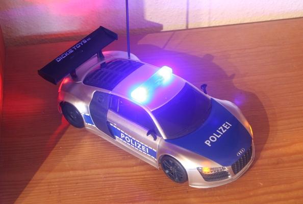 RC Fahrzeug leuchtet